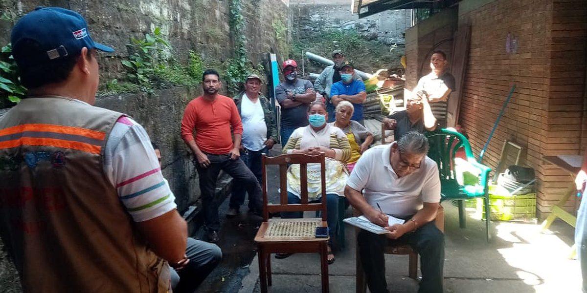 COMISIONES DEL COMUPRED EN ENCUENTRO CON COMERCIANTES DEL MERCADO SUR