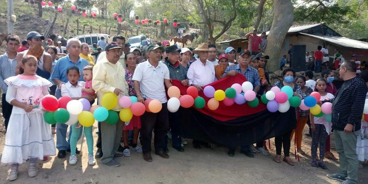CAMINO Y CAMPO DEPORTIVO EN MEJORES CONDICIONES